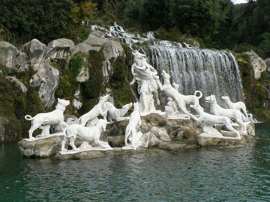 Fontana 1 Reggia Caserta (3710 clic)