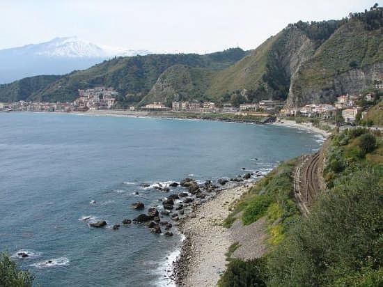 Spiaggia  invernale con Etna - Letojanni (4594 clic)