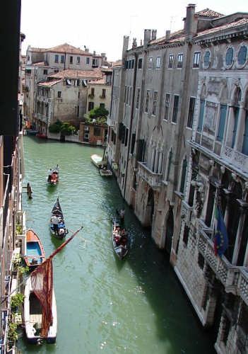 Venezia - Gondole dall'alto! (3674 clic)