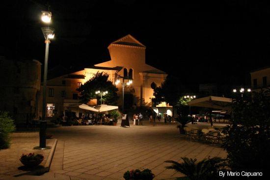 Notturno della Piazza di Ravello (2200 clic)