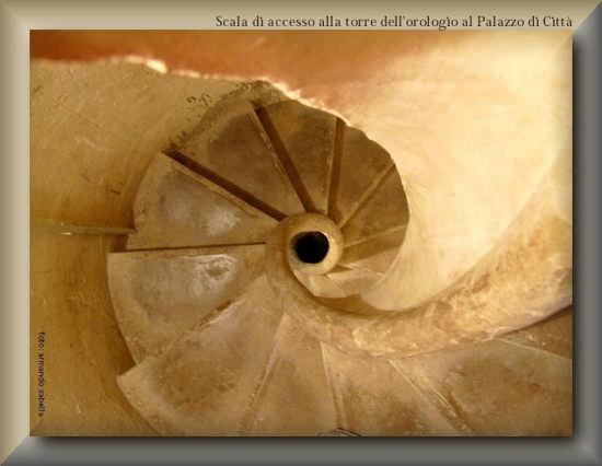 Scala di accesso al torrione del campanile - Licata (3155 clic)
