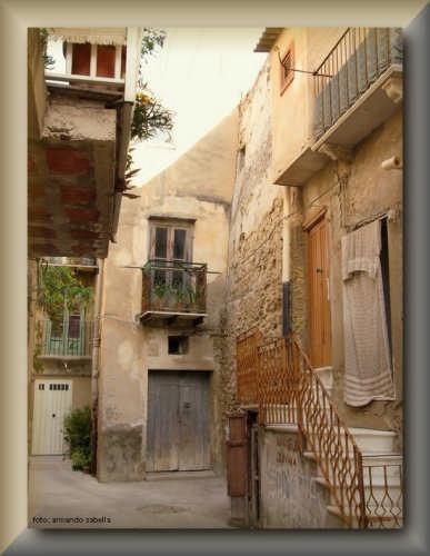 Cortile Gambino - Licata (2985 clic)