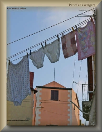 Biancheria ad asciugare - Licata (3095 clic)