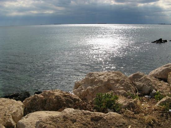 Scogli e mare - Taranto (6220 clic)
