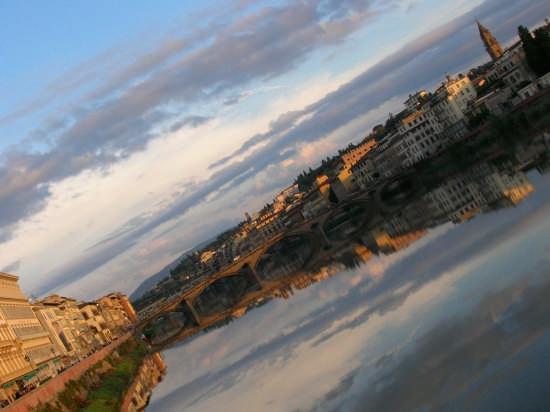 Lo specchio dell'Arno - Firenze (1876 clic)