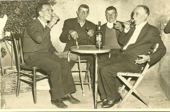 Amici al Bar - Reitano (2399 clic)