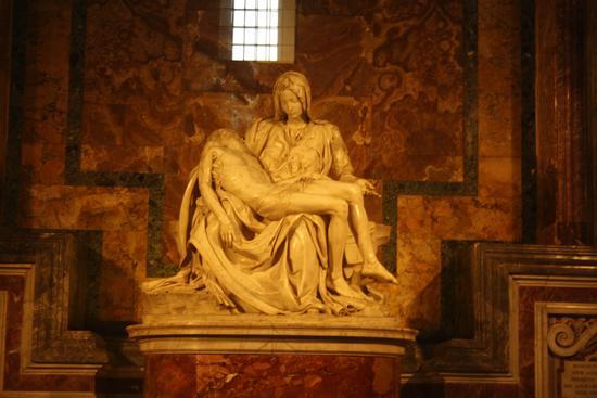 La Pietà di Michelangelo - Città del vaticano (1527 clic)