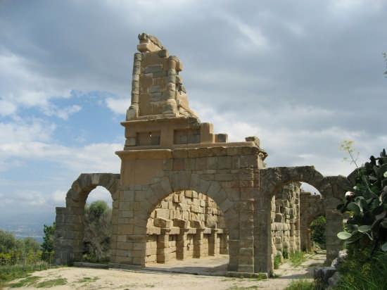 ARCHEOLOGIA - Tindari (3461 clic)
