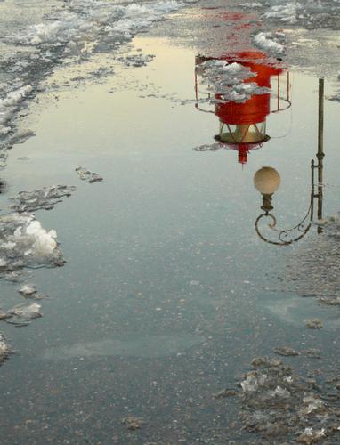 riflessi di neve al molo - La spezia (3088 clic)