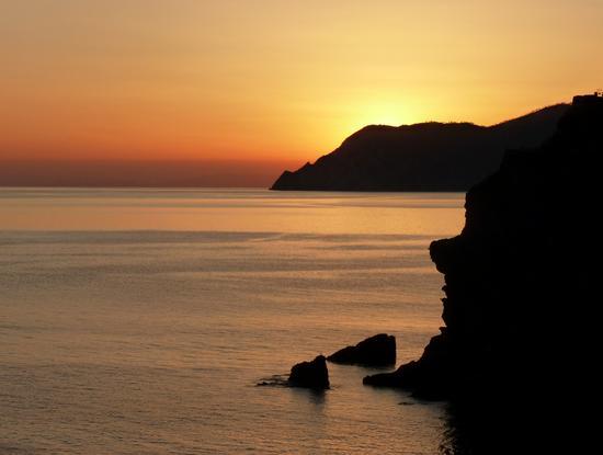 tramonti primaverili dalla via dell'amore - Manarola (4481 clic)