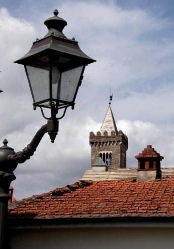 Tetti e lampioni - Sarzana (3515 clic)
