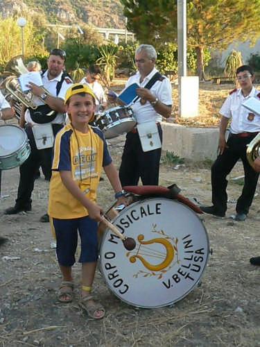 MOMENTO DI RELAX  DELLA BANDA MUSICALE CITTA DI TUSA - Acquedolci (3501 clic)