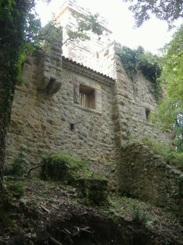 Retro del Castello Pietra Tagliata - CARONIA - inserita il 21-May-08