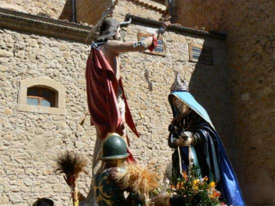 INCONTRO  tra Maria e Gesý risorto - Pettineo (3394 clic)