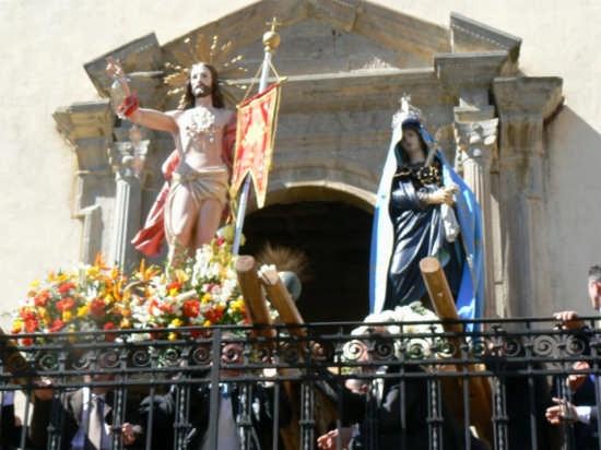 Conclusione della processione dopo l'Incontro - Pettineo (3635 clic)