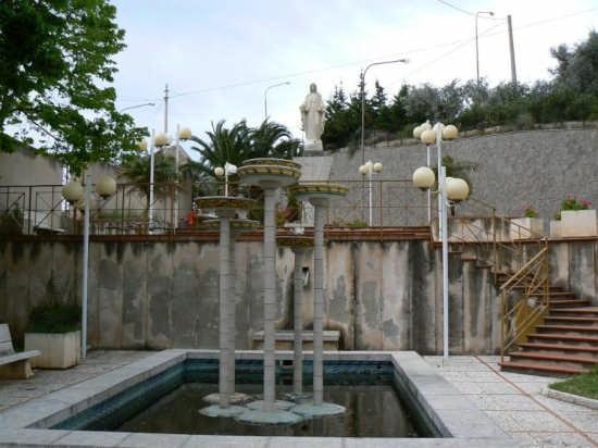 MONUMENTO ALLA MADONNA - Pettineo (3622 clic)