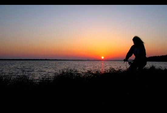 Da sola in bici... - Fogliano (2795 clic)