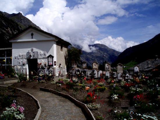 Silenzio, aria buona e...pace eterna ! - Aosta (3383 clic)