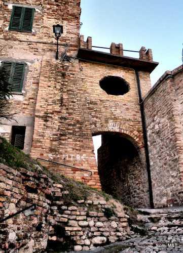 Porta della cittadella - Grottammare (3236 clic)