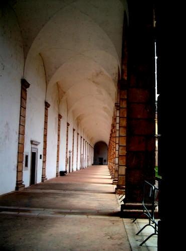 Portico interno - Padula (2306 clic)