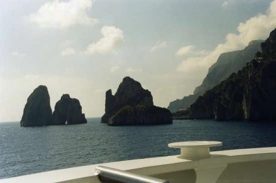 Faraglioni dalla Costa Vittoria - Capri (7533 clic)