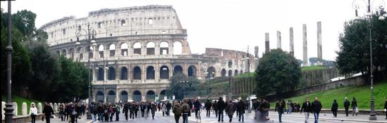 colosseo panoramica - Roma (2100 clic)