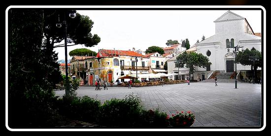 la piazza - Ravello (1529 clic)