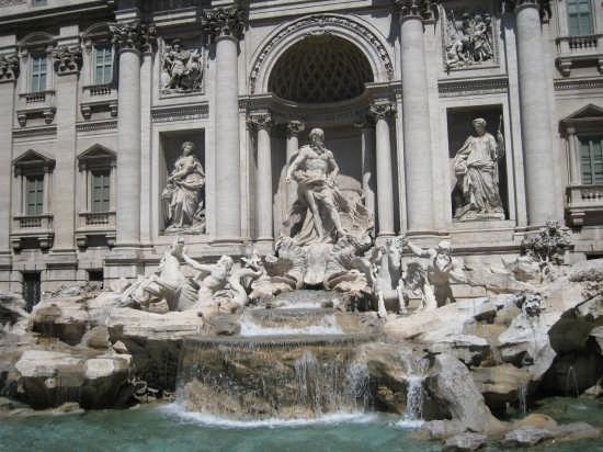 Fontana di Trevi ...di giorno - Roma (2882 clic)