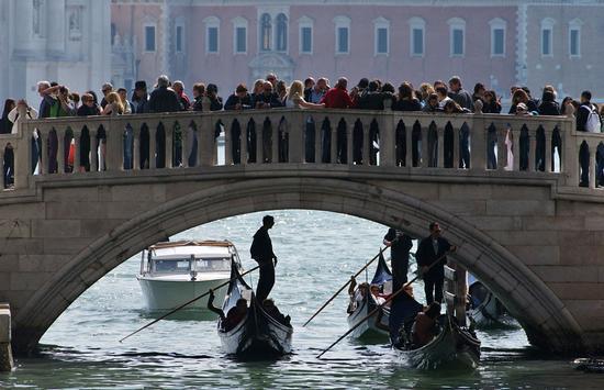 Sintesi Veneziana (1274 clic)