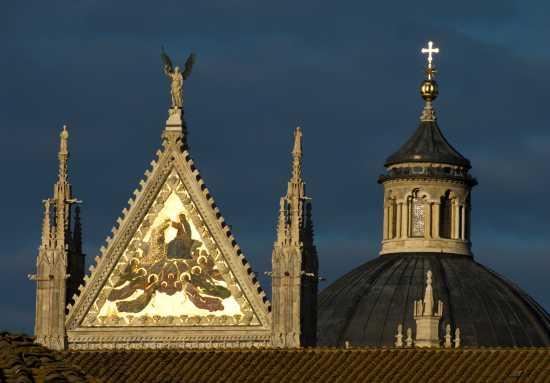 Tramonto sui tetti - Siena (3098 clic)