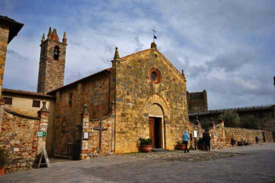 La Piazza - Monteriggioni (2708 clic)