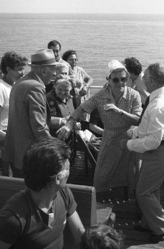 Traghetto Napoli-Capri 14.09.1984 - NAPOLI - inserita il 29-Jul-11