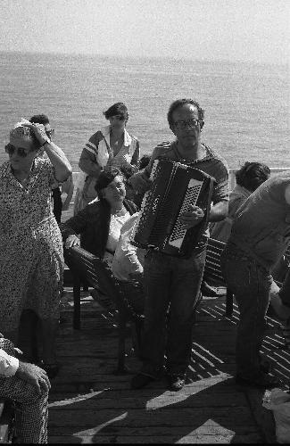 Traghetto Napoli-Capri 14.09.1984 (1555 clic)