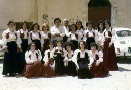 Festa taratata - Maggio 1976 - Casteltermini (6467 clic)
