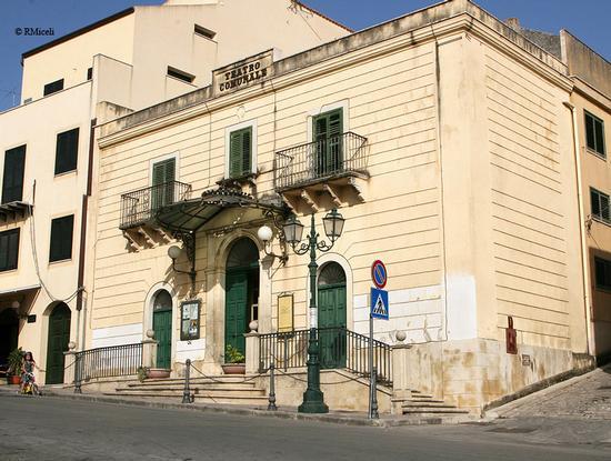 Teatro comunale - Sambuca di sicilia (1792 clic)