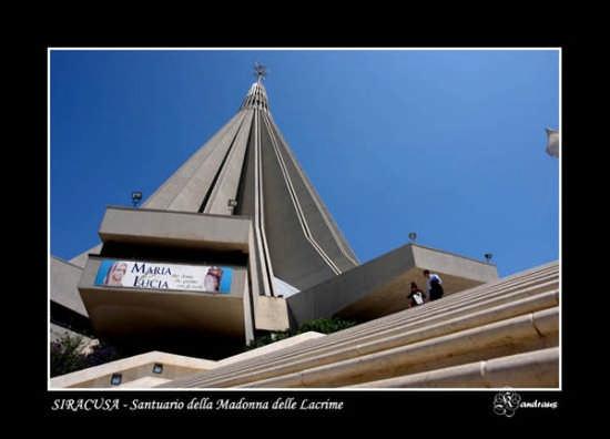 SIRACUSA - Santuario della Madonna delle Lacrime (3868 clic)
