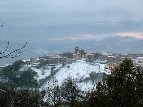 San Nicola innevato  - Scigliano (2318 clic)
