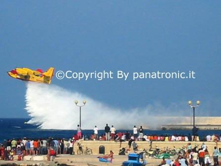Spettacolo aereo a Otranto (2075 clic)