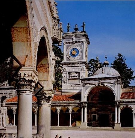 Piazza Libertà - Loggia S. Giovanni  - Udine (6664 clic)