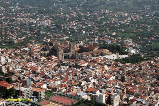 Il Duomo dall'alto - Monreale (4185 clic)