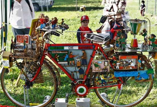 Strana bicicletta animata - Legnaro (3350 clic)