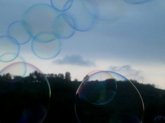 bolle di sapone - Carrara (2197 clic)