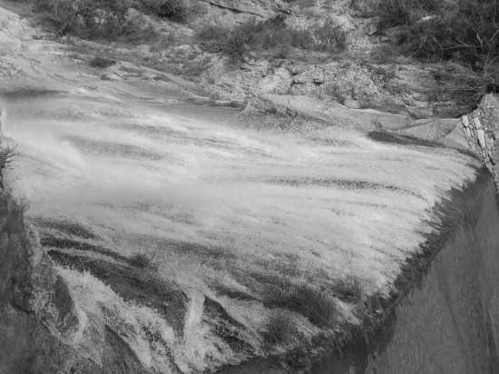 Grande cascata di Villa Gregoriana - Tivoli (2701 clic)