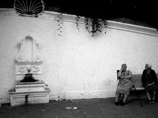 donne alla fontana di gornelli - CURINGA - inserita il 08-Jul-08