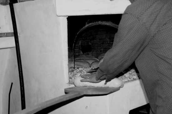 la Signora Anna e il pane fatto in casa - Curinga (2986 clic)