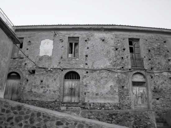 palazzo - Curinga (2973 clic)