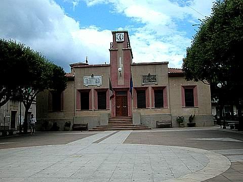 Piazza IV Novembre  - Pazzano (2980 clic)