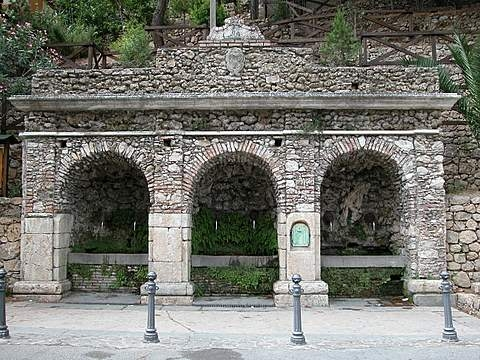 Fontana Vecchia - Pazzano (4279 clic)