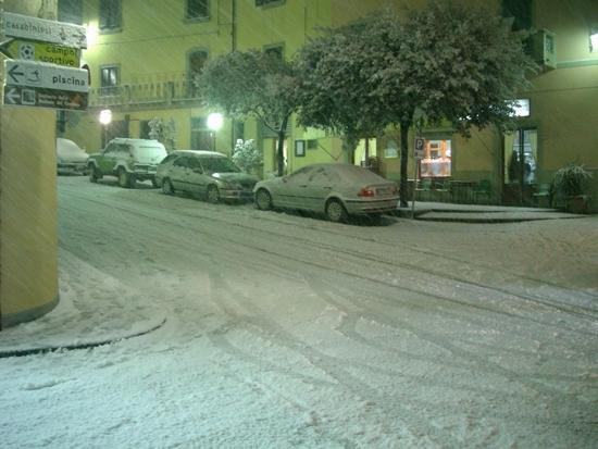 Chianni - piazza Curtatone (2448 clic)