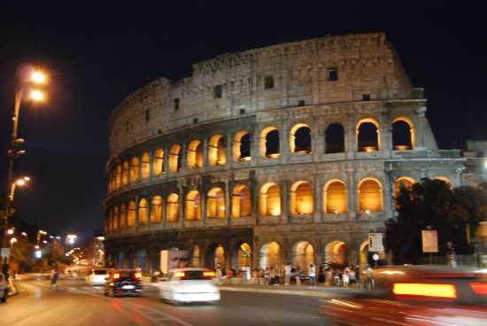 Il Colosseo di notte - Roma (9178 clic)